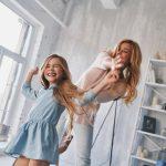 Criança em apartamento: brincadeiras para vocês se divertirem sem sair de casa