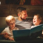 Como aproveitar os dias chuvosos com as crianças em casa