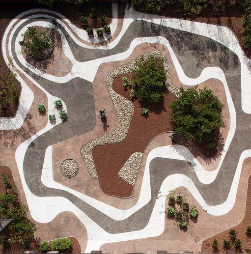 Jardim criado por Roberto Burle Marx para a cobertura da sede do Banco Safra, em São Paulo.